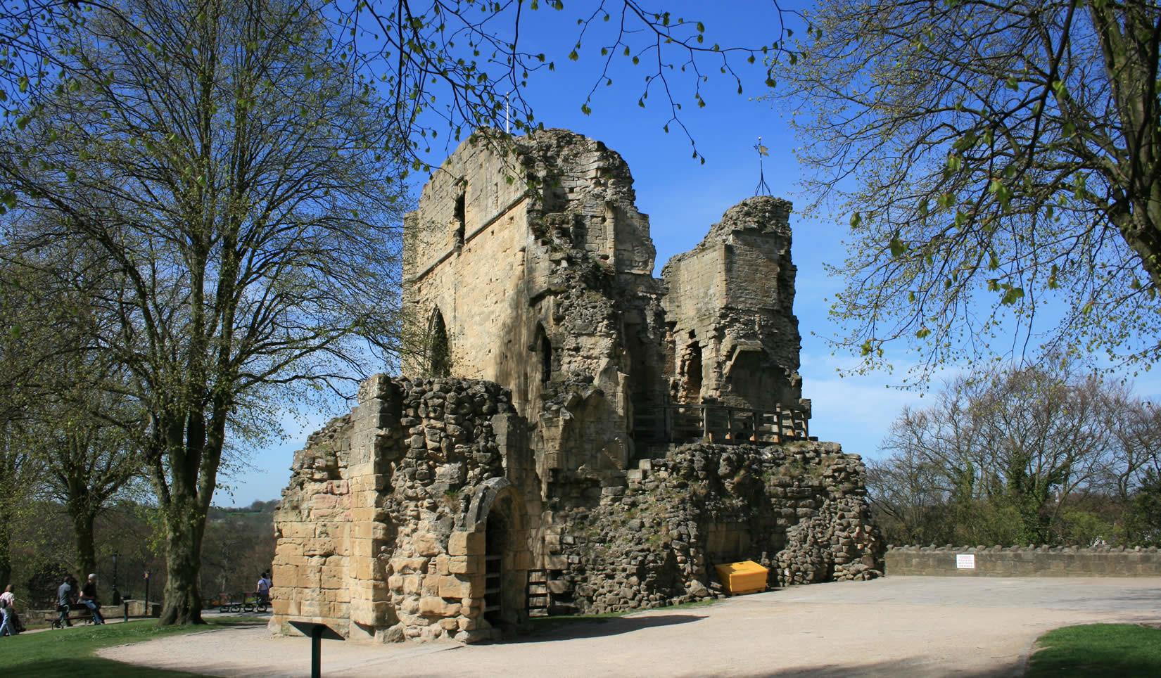pete-w-knaresborough-castle